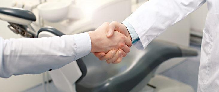 dentist-and-customer